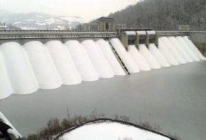 Rischio frane e piene dei fiumi. Allarme siccità alla diga del Molato