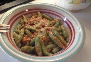 """""""Pinoli di Bobbio"""" al sugo di funghi: la gustosa ricetta di Antonella"""