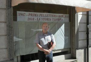 Chiude un altro negozio storico: dopo 71 anni dice stop la pelletteria Romersi