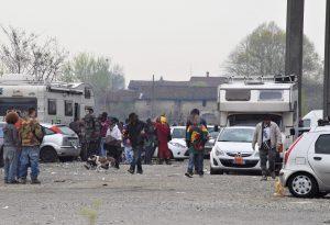 Dopo le denunce, ancora un rave party a Monticelli: centinaia di giovani nell'area Rivoli, arrivano i carabinieri