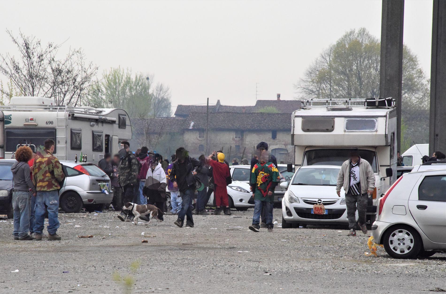 Rave party in una fabbrica abbandonata a Monticelli: 13 persone denunciate dai carabinieri