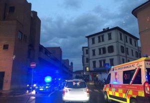 Alcol e botte davanti alla stazione: in tre all'ospedale, aggressore in questura