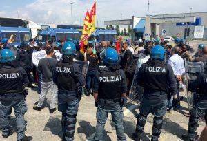 Tensioni al polo logistico di Castel San Giovanni, blocchi alla Leroy Merlin