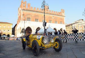 Gli scatti più belli della Mille Miglia a Piacenza. FOTOGALLERY