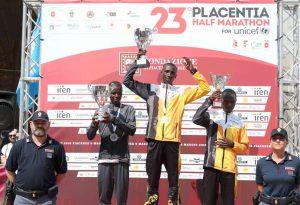 Parla keniota la Placentia Half Marathon for Unicef, vince Paul Kariuki Mwangi. Tra le donne la gara va a Viola Jelagat