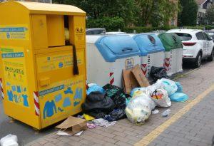 Inciviltà senza fine: ancora rifiuti abbandonati in via Veneto e in via Cipelli