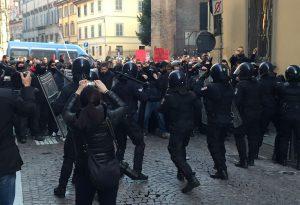 Carabiniere picchiato al corteo: chiesto giudizio immediato per tre arrestati