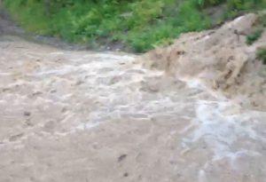 Nubifragio improvviso a Buzzetti di Bettola: danni e rischio frane