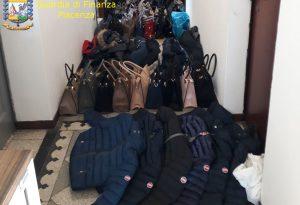 Senegalese vendeva da anni prodotti contraffatti: arrestato dalla Guardia di finanza