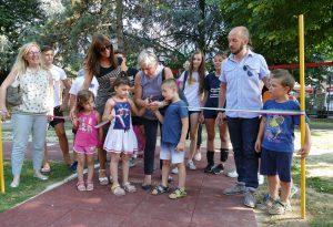 Inaugurati i giochi per disabili ai giardini di via Fratelli Bandiera