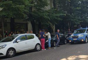Lite per un parcheggio, donna aggredita con lo spray  urticante in via dei Mille
