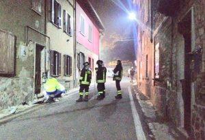 Paura a Vicobarone, auto impazzita centra una condotta del gas