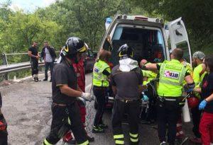 Traumi troppo gravi: morto il motociclista caduto ieri lungo la 45