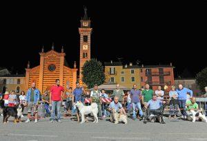Amici a quattro zampe protagonisti in piazza a Bettola. LE FOTO