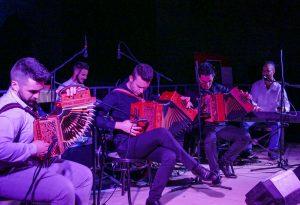 Folk e musiche del sud: applausi a Calendasco per le fisarmoniche di Officina Etnica