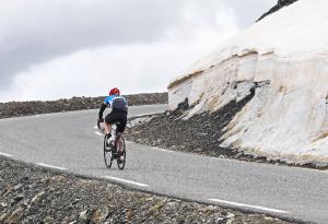 Otto piacentini al via della Ötztaler Radmarathon: la sfida più dura delle Alpi