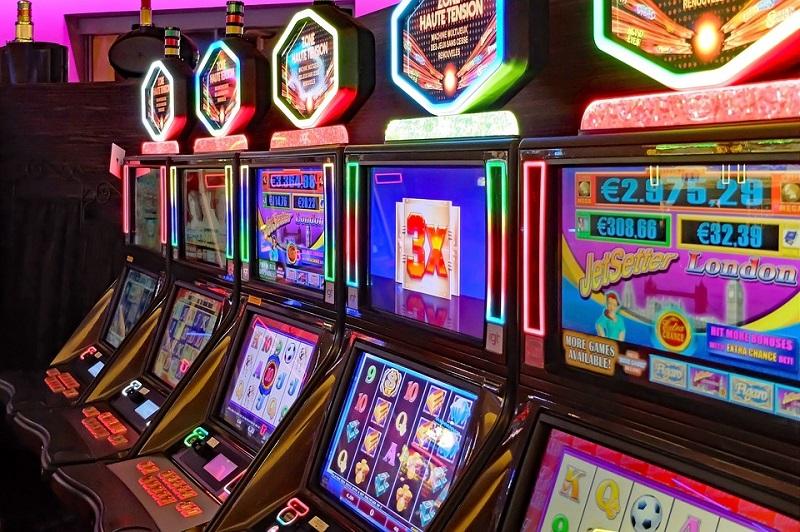 Gioco d'azzardo, 9 milioni di euro di giocate: attività sospese a Rottofreno