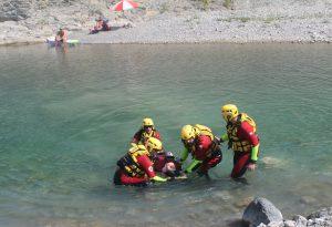 Croce Rossa, esercitazione di salvataggio e controlli gratuiti