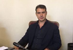 In consiglio comunale debutta il 31enne Bariola ma il Pd vota contro