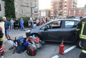 Scontro auto-moto a Pontenure, un ferito grave. Traffico in tilt