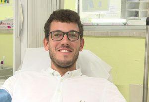 """Aumentano i donatori di sangue. Emanuele: """"Ho 26 anni e in un quarto d'ora salvo altre vite"""""""