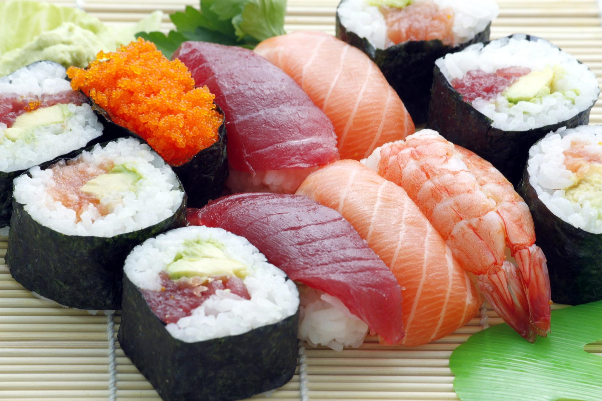 """Pesce crudo, tra Omega-3 e parassiti. La guida di """"Sicurezza alimentare"""""""