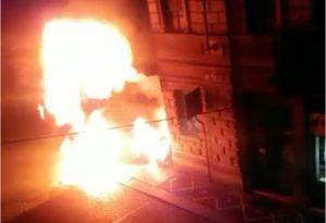 Fiamme di cinque metri e una serie di esplosioni: la notte di paura a Castelsangiovanni GUARDA IL VIDEO