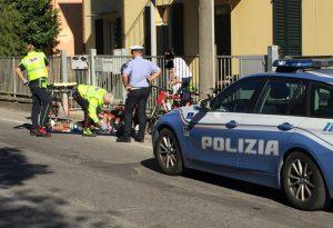 Perde il controllo della bici e batte la testa al suolo: 64enne in gravi condizioni