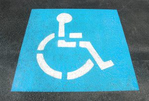 Parcheggi abusivi nelle aree dedicate ai disabili: da inizio anno 459 multe