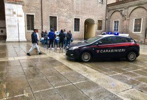 """Un """"like"""" di troppo scatena una maxi rissa tra giovani in centro storico, almeno 15 ragazzi identificati"""