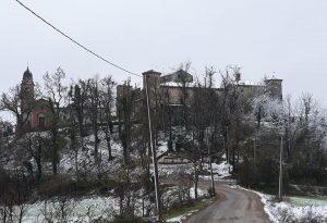 """Pioggia e neve, ecco un anticipo dell'inverno. Appello Caritas: """"Servono coperte e sacchi a pelo"""""""