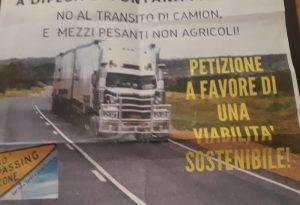 """No al transito di mezzi pesanti"": i residenti di Fontana Pradosa sul piede di guerra"
