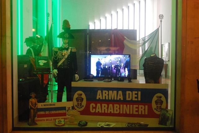 Giornata delle Forze Armate, le vetrine allestite dai carabinieri
