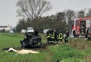 Tragico incidente a San Giorgio: lo schianto e poi le fiamme, due persone perdono la vita