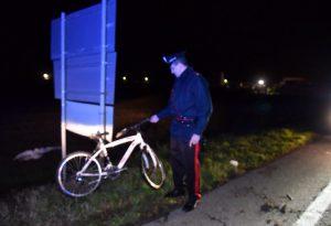 Gravi ma stazionarie le condizioni del ciclista travolto lungo la via Emilia