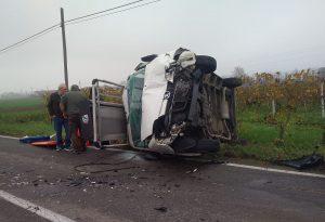 Schianto a Fabiano di Borgonovo: tre feriti, uno in condizioni gravissime a Parma in elicottero