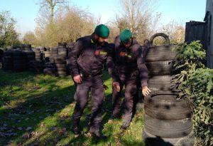 Cà Verde, 15 quintali di pneumatici sequestrati. Imprenditore denunciato