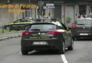 Arresti e sequestri di beni contro la 'ndrangheta, perquisita la casa di un piacentino
