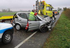 Auto fuori strada a Castelvetro, morta una donna di 31 anni