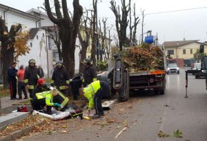 Tragedia sul lavoro a Borgonovo: uomo travolto e ucciso da un muletto