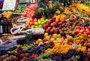 Attività fisica, frutta e verdura: lo stile di vita per prevenire malattie
