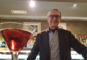 """Medardo: """"I miei primi 80 anni"""". Storia di un barman che non passa mai di moda"""