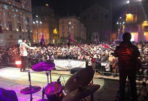 In migliaia in piazza Cavalli per festeggiare l'arrivo del 2019. LE FOTO DELLA GRANDE FESTA