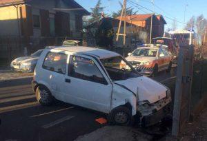 Auto esce di strada a Ciriano di Carpaneto, muore l'anziano alla guida