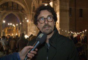 """Il ministro Toninelli tra i banchi del mercatino: """"Strade e ponti, Province mai più senza risorse"""""""