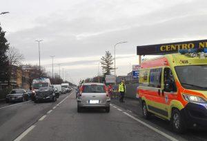 Tamponamento fra due auto a Roveleto di Cadeo: tre feriti