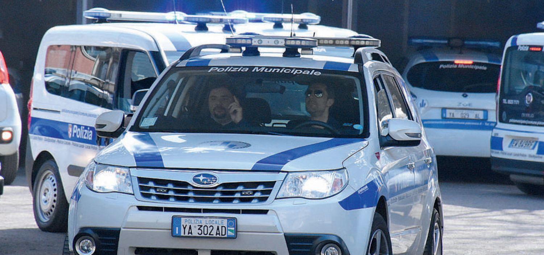 Arrivano nove mezzi nuovi per la Polizia municipale e una stazione mobile