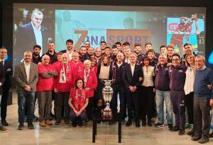 Passerella trionfale con la Coppa per la Gas Sales Volley a Telelibertà