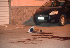 Ferito via Genocchi: nessuna coltellata, lesione procurata da un vetro