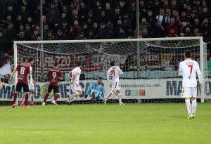 Ad Arezzo pari prezioso, i biancorossi rimangono a tre punti dall'Entella